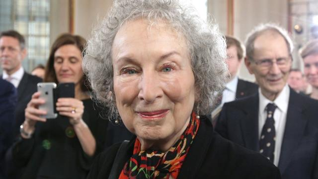 L'écrivain canadienne Margaret Atwood, en octobre 2017 à la Foire du Livre de Francfort [Daniel ROLAND / AFP/Archives]