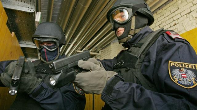 Des policiers des forces spéciales autrichiennes à Vienne en Autriche, le 14 mai 2008 [DIETER NAGL / AFP/Archives]