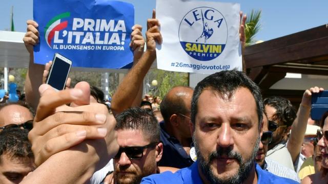 Le ministre italien de l'Intérieur Matteo Salvino en tournée électorale à Policoro (sud), le 10 août 2019 [Alberto PIZZOLI / AFP]
