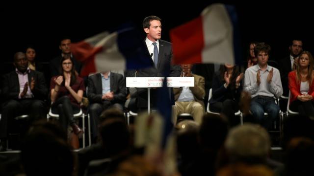 Le Premier ministre Manuel Valls, le 3 décembre 2015 à Paris, lors de son unique meeting d'avant premier tour des élections régionales [MARTIN BUREAU / AFP]