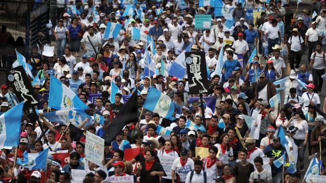 Manifestation pour obtenir la démission du président Otto Pérez, accusé de corruption, le 3 septembre 2015 à Guatemala City [JOHAN ORDONEZ / AFP]