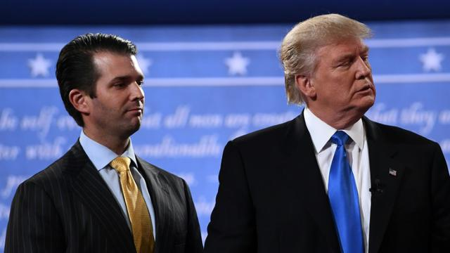Donald Trump Jr, aux côtés de son père, lors de la campagne présidentielle américaine, le 26 septembre 2016, à Hempstead (Etats-Unis) [Jewel SAMAD / AFP/Archives]