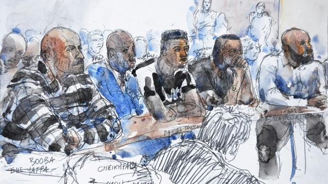 Croquis d'audience représentant Booba (G) et Kaaris (D), lors de leur procès le 6 septembre 2018 à Créteil [Benoit PEYRUCQ / AFP]