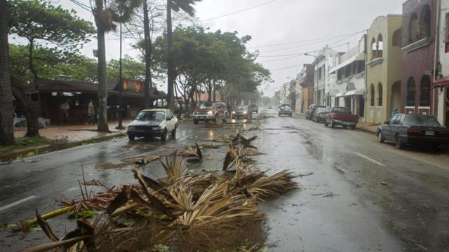 Une rue de Saint-Domingue après le passage de la tempête Erika en République Dominicaine, le 28 août 2015 [Erika Santelices / AFP]