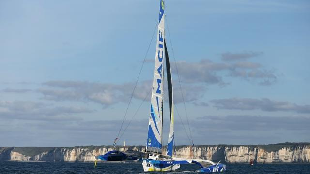 Le maxi-trimaran Macif, le 25 octobre 2015 au large du Havre [CHARLY TRIBALLEAU / AFP/Archives]