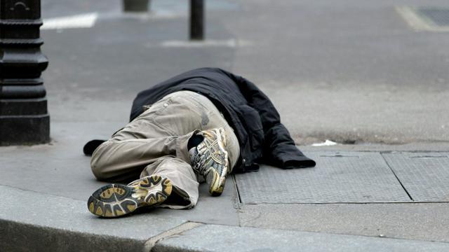 """Plus de 15 millions de personnes touchées par la crise du logement: la Fondation Abbé Pierre dresse le tableau d'une France """"malade du mal-logement"""" [KENZO TRIBOUILLARD / AFP/Archives]"""