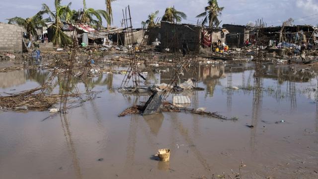 Un quartier de Beira, au Mozambique, sous les eaux après le passage du cyclone Idai, le 23 mars 2019 [WIKUS DE WET / AFP]