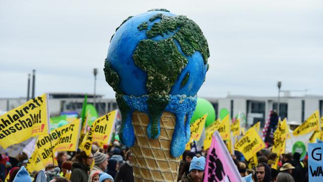 Une marche pour le climat à Berlin le 29 novembre 2015 [JOHN MACDOUGALL / AFP/Archives]