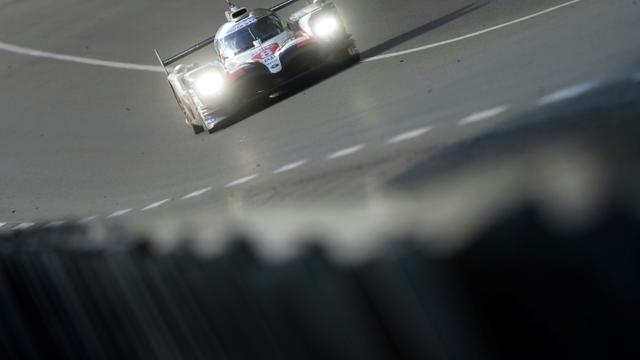 L'Espagnol Fernando Alonso, dans sa Toyota TS050-Hybrid LMP1, lors des essais libres, au Mans, le 12 juin 2019 [JEAN-FRANCOIS MONIER                 / AFP/Archives]