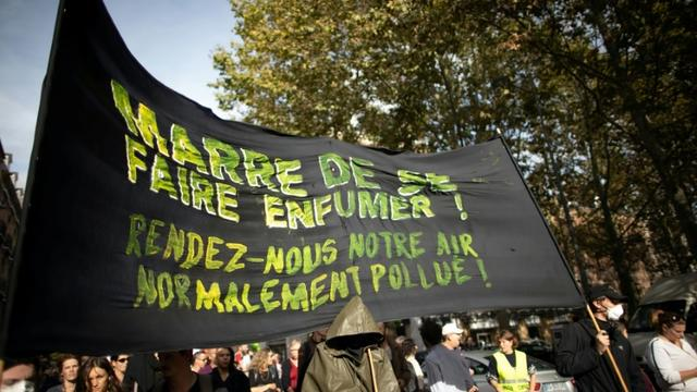 Manifestation d'habitants inquiets, à Rouen, le 12 octobre 2019 [LOU BENOIST / AFP/Archives]