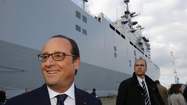 Le président François Hollande sur les Chantiers de l'Atlantique à Saint-Nazaire, le 13 octobre 2015 [STEPHANE MAHE / POOL/AFP]