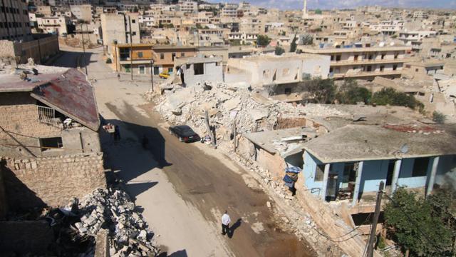 Vue générale de la ville de Darat Azzah, à l'ouest d'Alep, le 7 octobre 2015 après un bombardement de l'armée syrienne [Fadi al-Halabi / AMC/AFP/Archives]
