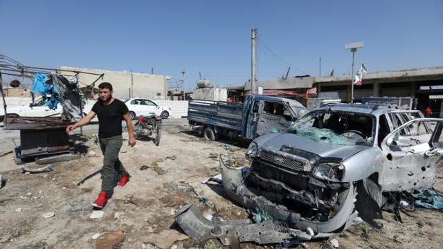 Destructions dans la ville de Saraqeb dans la province syrienne d'Idleb (nord-ouest) après des raids du régime, le 26 juillet 2019  [Omar HAJ KADOUR / AFP]
