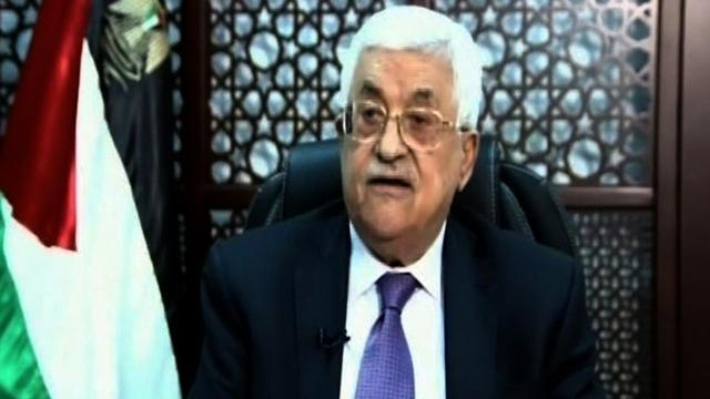 """M. Abbas """"a décidé de former immédiatement une commission d'enquête sur l'acte irresponsable commis ce matin au tombeau de Joseph [-- / PALESTINIAN TV/AFP]"""