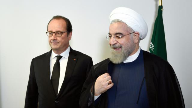 Les présidents français Francois Hollande et iranien Hassan Rohani lors d'une rencontre en marge de l'assemblée générale de l'Onu le 27 septembre 2015 à New York [Alain Jocard / AFP/Archives]