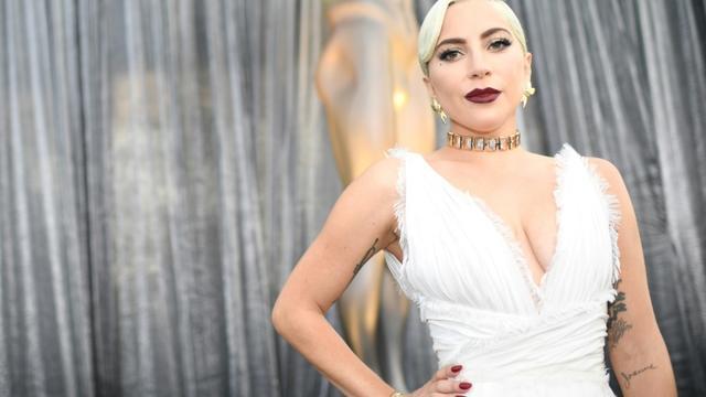 """Lady Gaga est sélectionnée aux Grammy Awards dans cinq catégories, dont deux pour """"Shallow"""", la ballade romantique qu'elle a enregistrée avec Bradley Cooper pour le film """"A Star Is Born"""" [Robyn Beck / AFP/Archives]"""