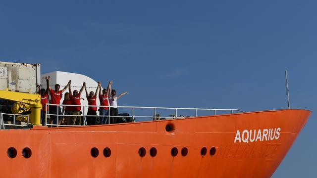 Des membres de l'équipage du navire humanitaire Aquarius le 1er août 2018 à Marseille [BORIS HORVAT / AFP/Archives]