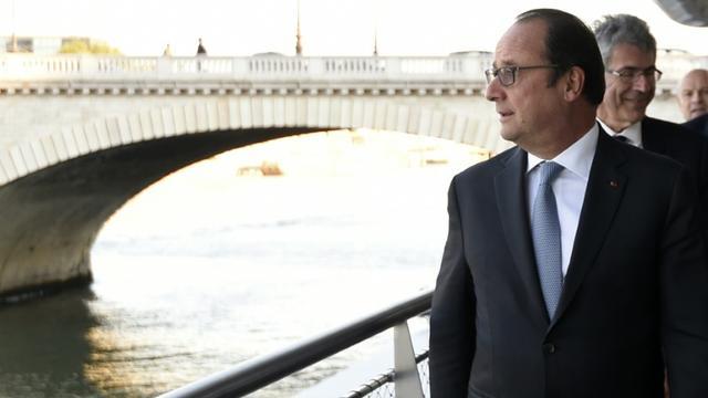 Le président François Hollande, le 1er octobre 2015 à Paris [ALAIN JOCARD / POOL/AFP]
