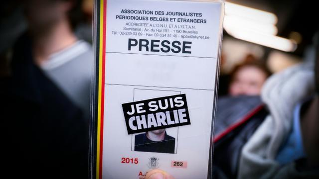 """Une carte de presse avec la mention """"Je suis Charlie"""" le 8 janvier 2015 à Bruxelles [LAURIE DIEFFEMBACQ / BELGA/AFP/Archives]"""