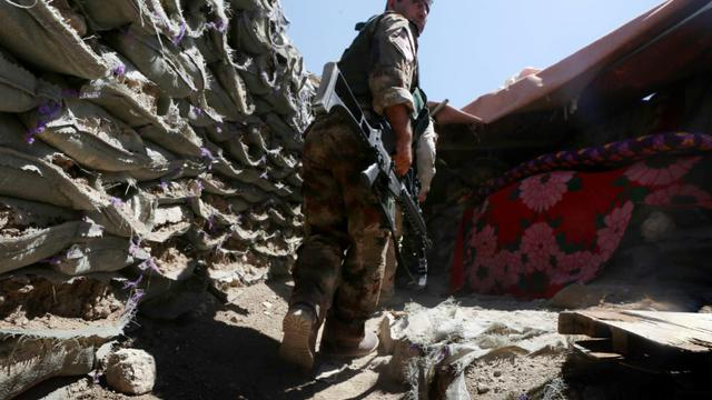 Un combattant kurde pershmerga le 17 août 2015 à Sinjar [SAFIN HAMED / AFP/Archives]