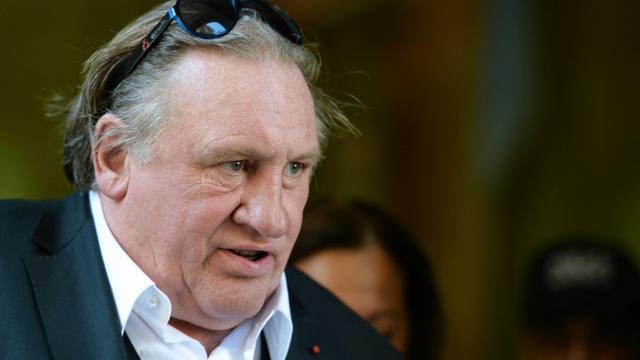 Gérard Depardieu le 1er septembre 2015 à Marseille, où il tourne une série produite par Netflix dans laquelle il incarne le maire de la cité phocéenne [Boris Horvat / AFP]