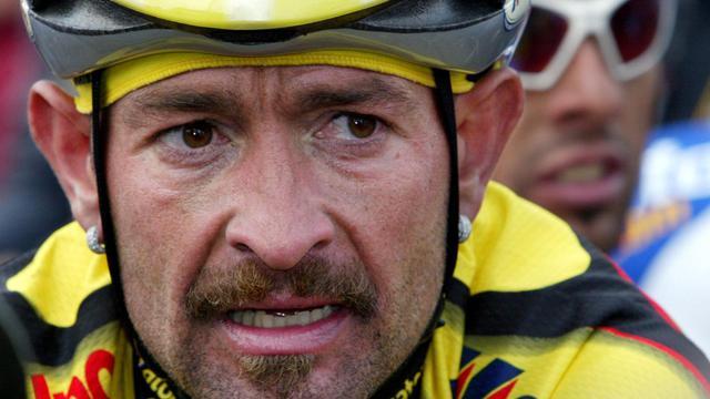 Le cycliste italien Marco Pantani à son arrivée de la 66e édition de la Flèche Wallonne, le 17 avril 2002 à Huy [Franck Fife / AFP/Archives]