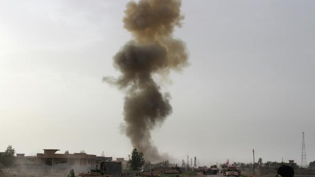 Les forces irakiennes mènent une opération contre le groupe EI à Fallouja, dans la province d'Al-Anbar, le 5 mai 2016 [MOADH AL-DULAIMI / AFP/Archives]