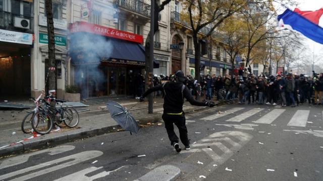 En tête de cortège, lors de la manifestation contre la réforme des retraites à Paris le 5 décembre 2019 [Zakaria ABDELKAFI / AFP]