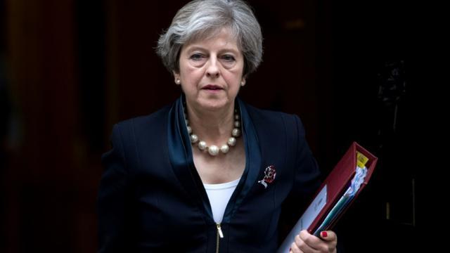 La Première ministre britannique Theresa May, quittant ses bureaux du 10 Downing Street à Londres, le 1er novembre 2017 [CHRIS J RATCLIFFE / AFP/Archives]
