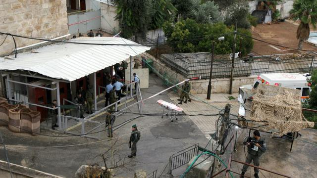 Des garde-frontières israéliens, le 25 octobre 2015 à Hébron en Cisjordanie [HAZEM BADER / AFP]