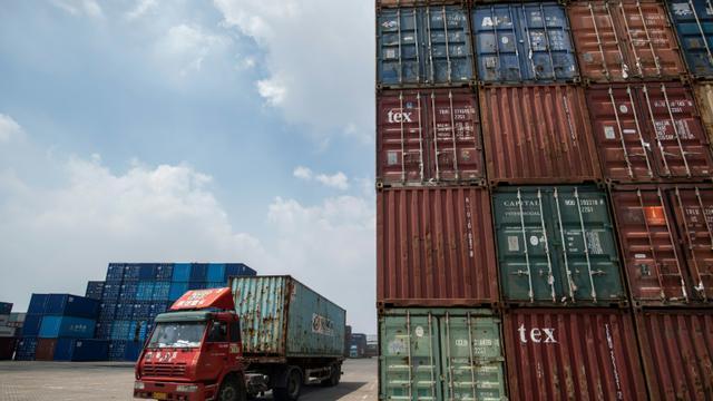 De nombreux produits chinois et américains sont devenus 25% plus chers le 23 août 2018 [JOHANNES EISELE / AFP/Archives]
