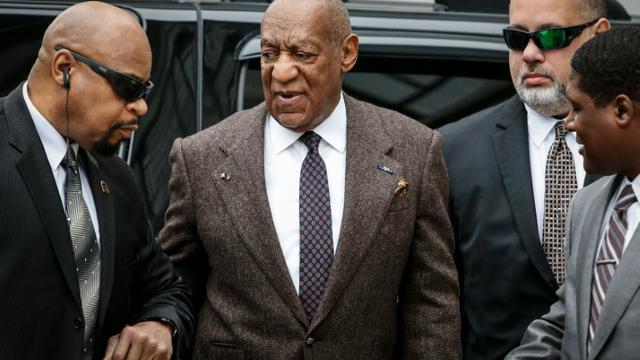 L'acteur américain Bill Cosby (c), le 3 février 2016 à Norristown en Pennsylvanie [KENA BETANCUR / AFP]
