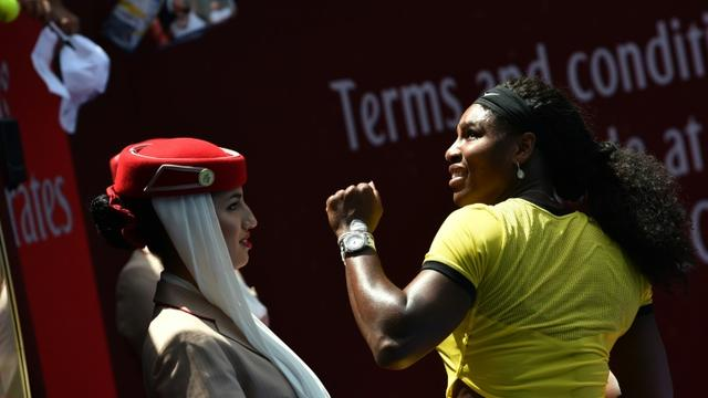 Serena Williams à l'issue du match contre Maria Sharapova le 26 janvier 2016 à Melbourne [SAEED KHAN / AFP]