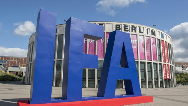 Le salon de l'électronique IFA (Internationale Funkausstellung) à Berlin le 2 septembre 2015 [John Macdougall / AFP]