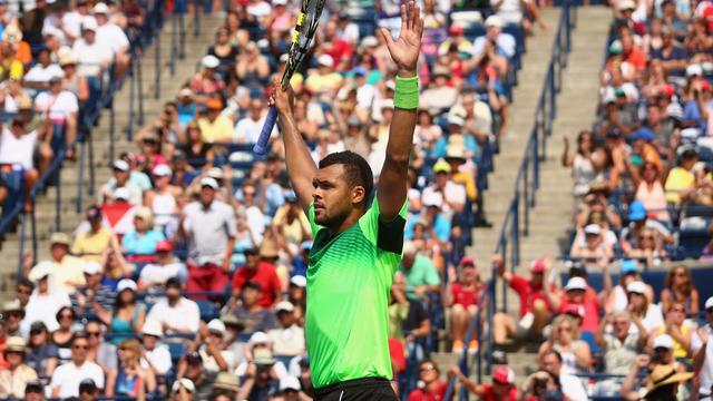 Le Français Jo-Wilfried Tsonga, vainqueur du Masters 1000 de Toronto, le 10 août 2014 [Ronald Martinez / Getty/AFP]