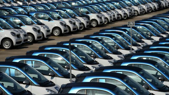 Alignement de véhicules neufs le 9 septembre 2015 à l'usine Smart à Hambach  [PATRICK HERTZOG / AFP/Archives]