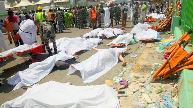 Des corps de victimes de la bousculade de La Mecque, le 24 septembre 2015 en Arabie saoudite [ / AFP/Archives]