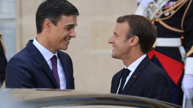 Emmanuel Macron avec Pedro Sanchez lors de la visite du premier ministre espagnol à Paris le 23 juin 2018. [ludovic MARIN / AFP/Archives]