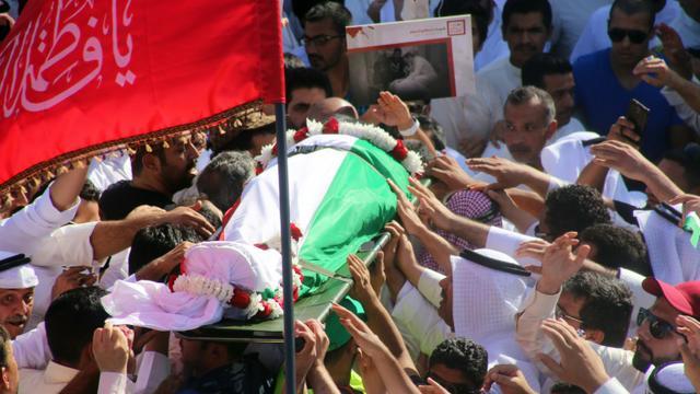 Obsèques le 27 juin 2015 à Koweit City d'une victime de l'attentat commis la veille contre une mosquée chiite [Yasser al-Zayyat / AFP]