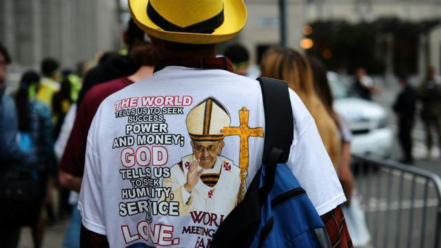 La population se retire après avoir assisté à une messe géante célébrée le 27 septembre 2015 par le pape François à Philadelphie [JEWEL SAMAD / AFP]