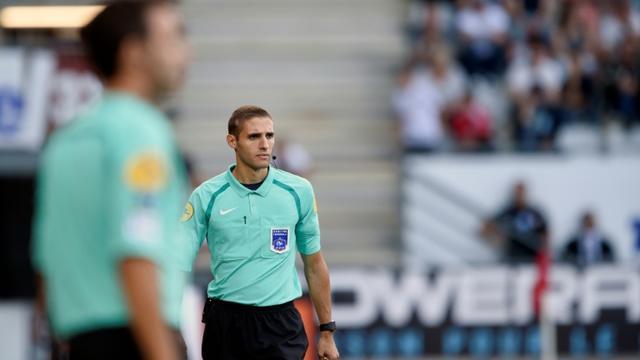 L'arbitre Mehdi Mokhtari lors d'un match de Ligue 1 entre Nancy et Nice, au stade Marcel Picot de Tomblaine, le 26 septembre 2016 [JEAN-CHRISTOPHE VERHAEGEN / AFP/Archives]