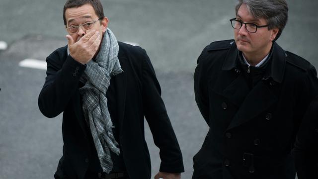 L'ex-urgentiste Nicolas Bonnemaison et son avocat Arnaud Dupin à leur arrivée le 24 octobre 2015 au tribunal à Angers [JEAN-SEBASTIEN EVRARD / AFP]