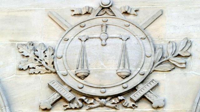 L'affaire a été portée devant le tribunal de Marseille