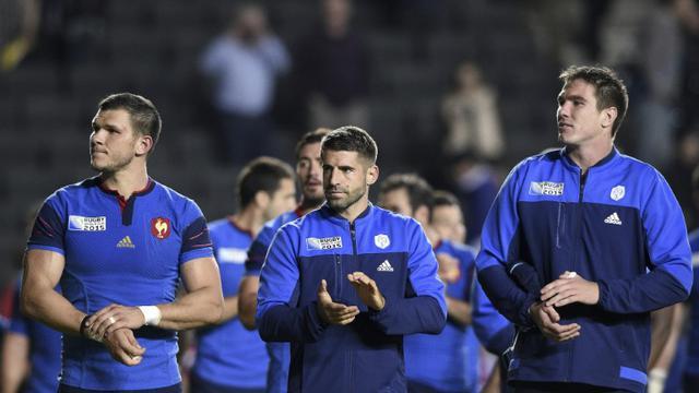 Les joueurs du XV de France, vainqueurs du Canada dans la poule D du Mondial de rugby, le 1er octobre 2015 à Milton Keynes [FRANCK FIFE / AFP]