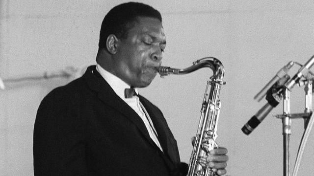 Photo non datée du saxophoniste ténor américain John Coltrane en concert à Paris [ / AFP/Archives]