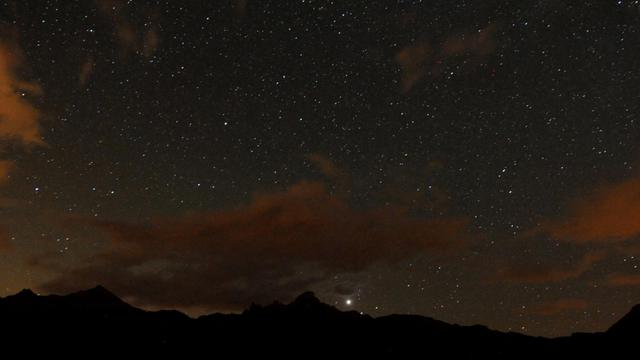 L'Association française d'astronomie (AFA), qui coordonne les Nuits des Etoiles depuis 1991, s'est associée au Centre national d'études spatiales (Cnes) pour dédier l'édition 2014 aux comètes [Jean-Pierre Clatot / AFP/Archives]