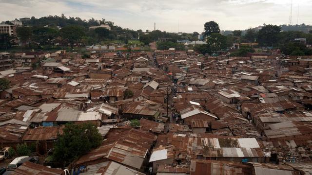 Le bidonville de Katanga, dans la capitale ougandaise de Kampala, le 18 décembre 2012 [Michele SIBILONI / AFP/Archives]