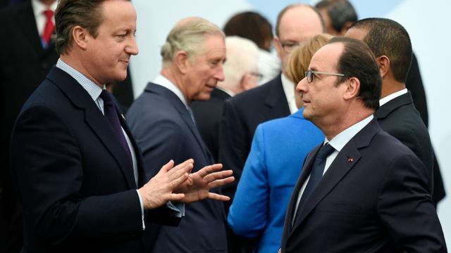 Le Premier ministre britannique David Cameron et le président  François Hollande le 30 novembre 2015 au Bourget [MARTIN BUREAU / POOL/AFP/Archives]