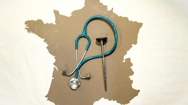 Les médecins ont commencé un mouvement de grève pour demander le retrait du projet de loi santé, en fermant leur cabinet, mais l'ampleur de la mobilisation était difficilement mesurable selon leurs syndicats [Philippe Huguen / AFP/Archives]