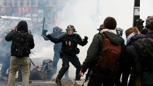 Echauffourées à Paris pendant un rassemblement contre le réchauffement climatique, le 29 novembre 2015 [FRANCOIS GUILLOT / AFP]